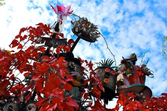 plazacultural_gardenfence-fallcolorsR